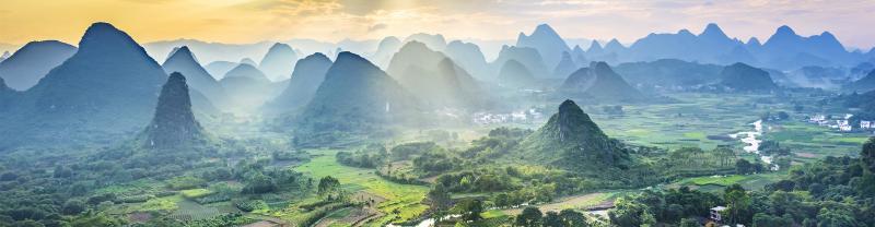 China_Yangshuo_Aerial-view