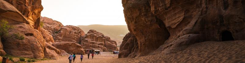 EESJ_petra-walk_jordan_banner