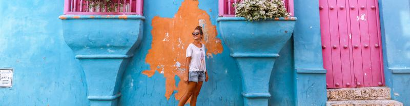 GSCH_colombia_cartagena_colourful-house_traveller