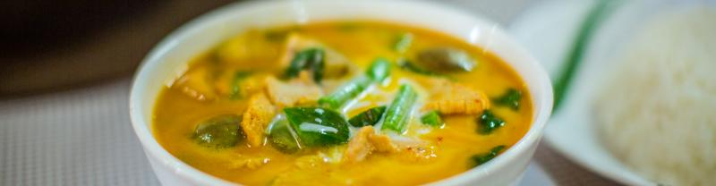 Settling in for a delicious curry dinner on a Cambodia Food Adventure