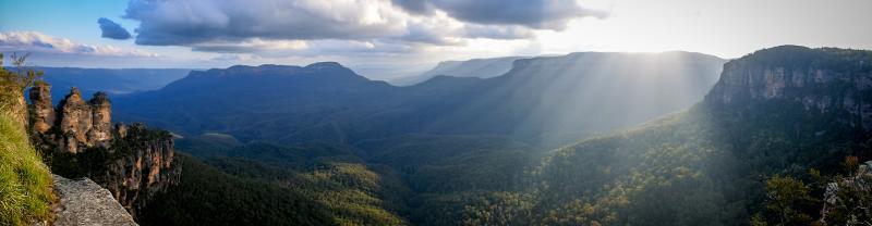 Sunshine peeking through the Blue Mountains in Australia
