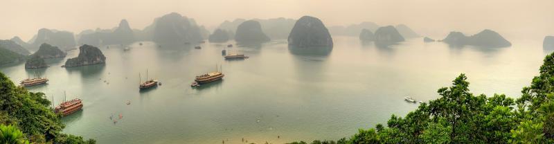 vietnam halong bay panorama islands boats