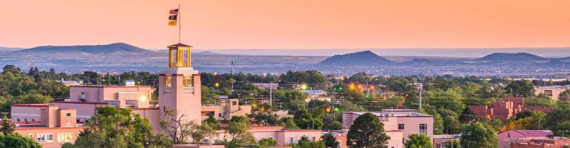 SSKS - The colourful skyline of Santa Fe, New Mexico at sunset
