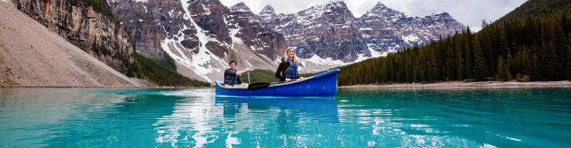 Real Canada 18 to 29s style with Intrepid Travel