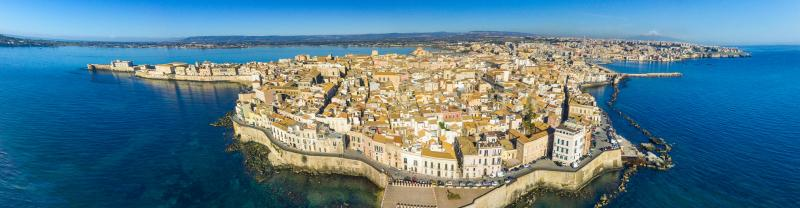 ZLKS - Sicily - Coastal view of Ortigia - Banner - 1920x500
