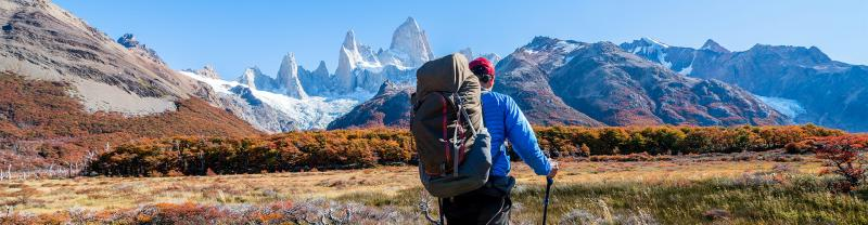 patagonia el chalten fitzroy mountain hiker