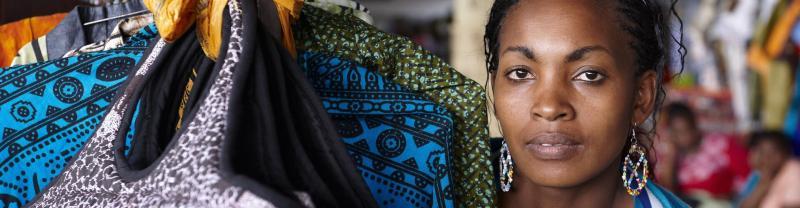 A street market woman in Nairobi, Kenya