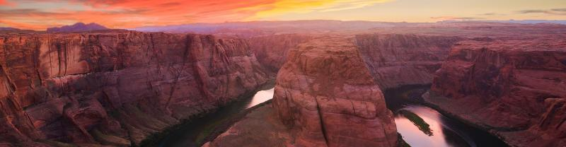 Sunset at Horseshoe Bend in the East Rim of the Grand Canyon