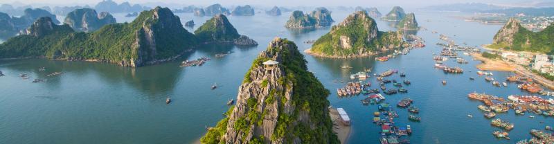 Vietnam baeutiful Ha Long Bay