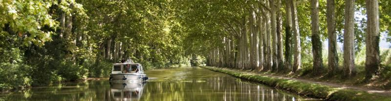 Explore the French canals on the Grand Classique.