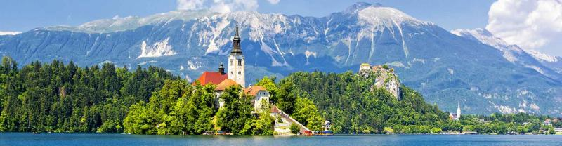 Lake and castle, Lake Bled in Slovenia