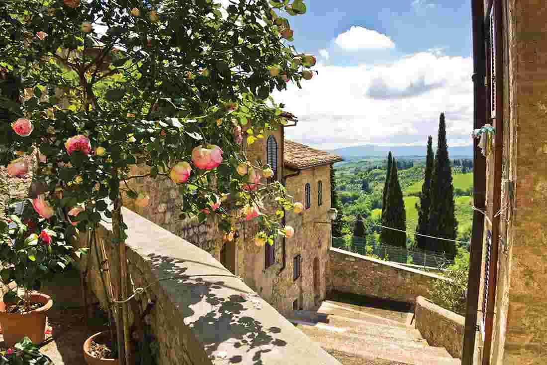 cycle tuscany intrepid travel us. Black Bedroom Furniture Sets. Home Design Ideas