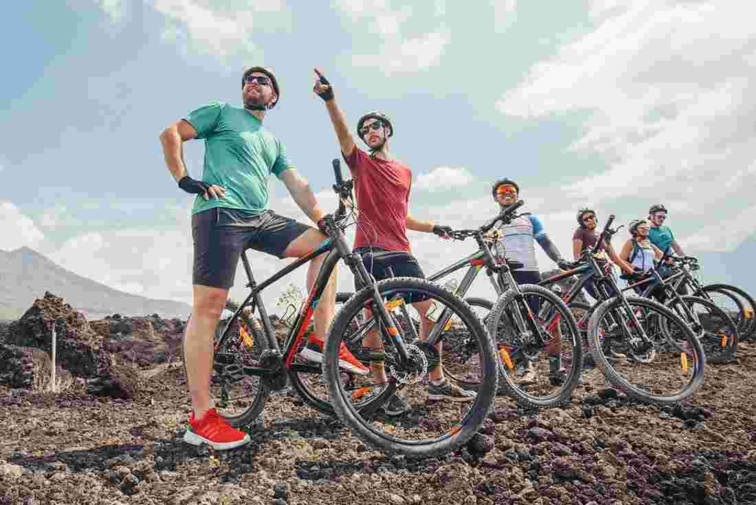 Cycling tours in Asia | Intrepid Travel GB