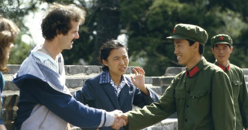 etiquette handshake - credit calwhiz