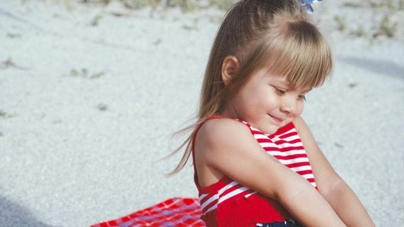Family-travel-little-girl---Unsplash