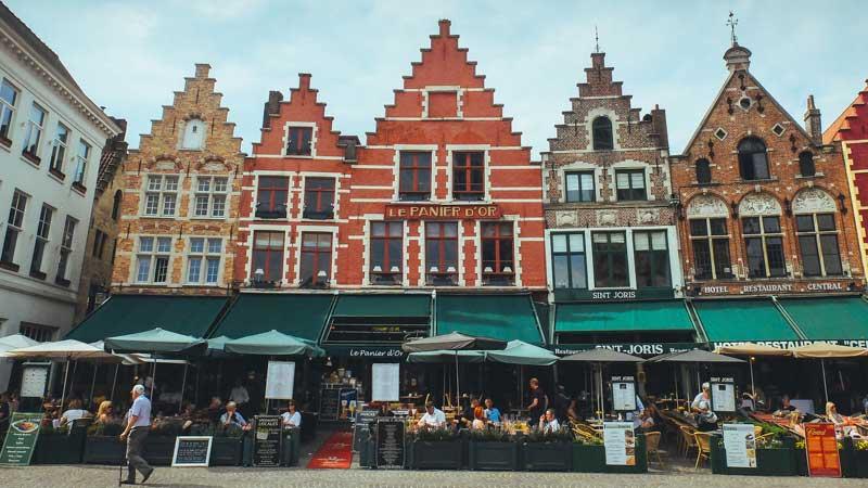 Bruges-shopping---Matt Northam