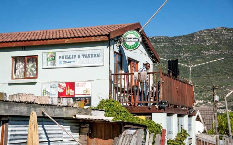 faces-of-cape-town-urban-adventures-pub