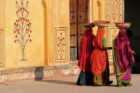 india jaipur amber fort ladies walking